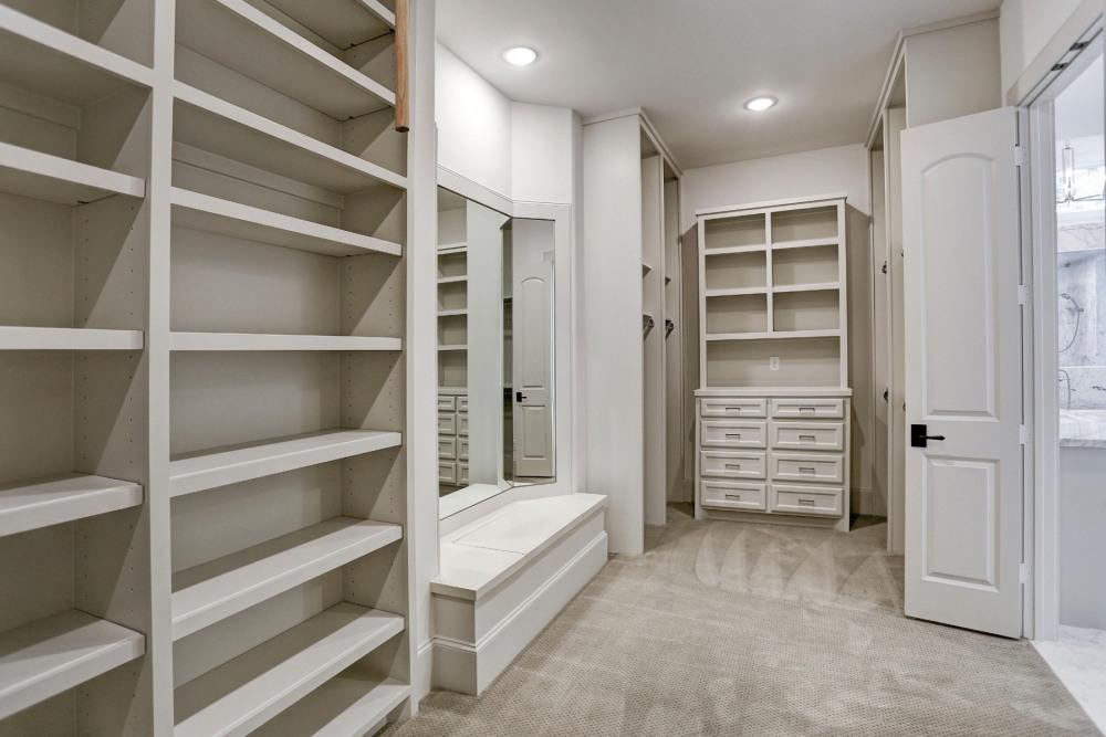 3-Gatewood-Reserve-Master-Closet